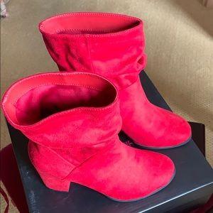 New Red Velvet 7M Boots.